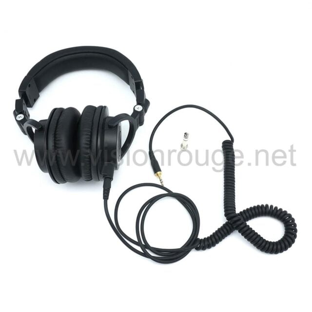 Sound recording audio tech in shanghai rent a headphone