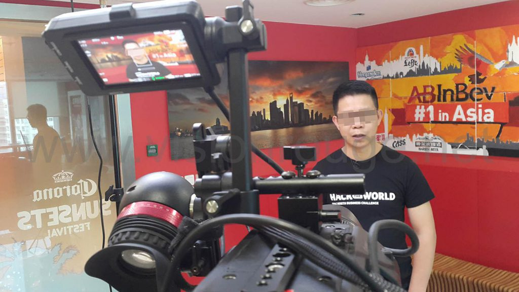producer-local-team-shanghai-to-hire-englsih-speaker-video-one-man-band